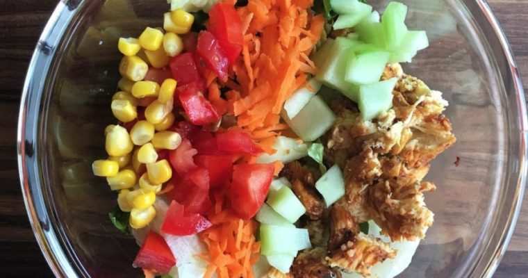 Ensalada con pollo chipotle tamarindo