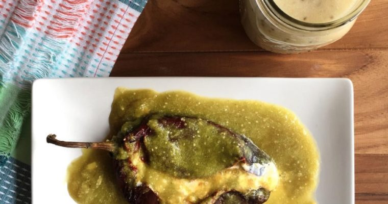 Chiles anchos rellenos de queso y elotitos