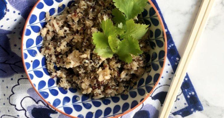 Quinoa con salmón y aderezo asiático.